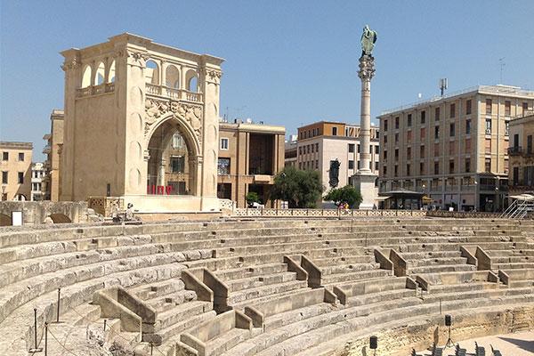 anfiteatro-piazza-sant-oronzo-lecce-600x400